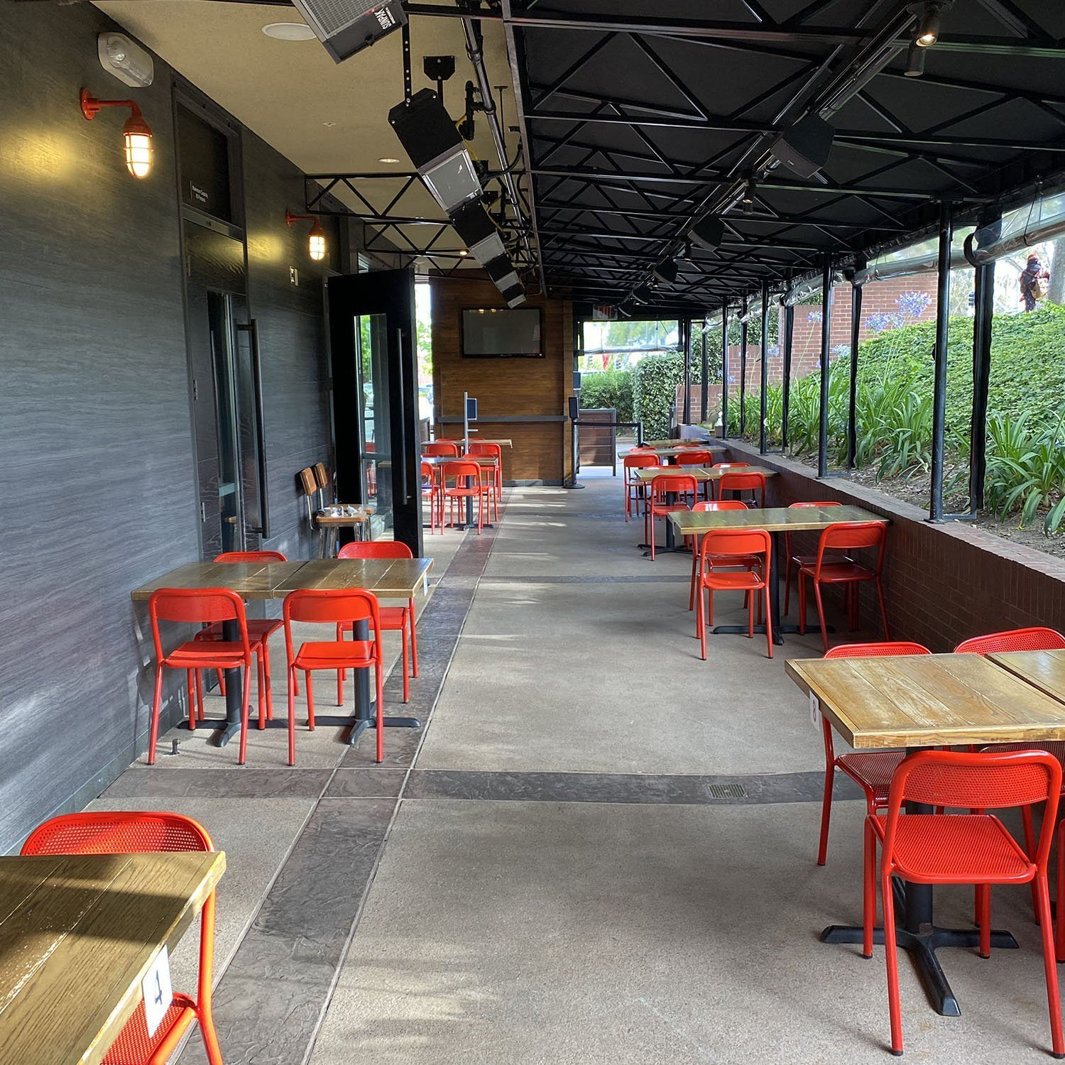 Regents Pizza - Garden Patio